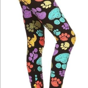 NWT Plus Size Paw Print Super Soft Leggings